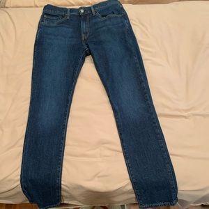 Lucky Brand 222 taper waist 31 length 32
